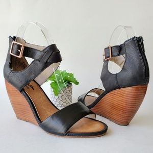 Seychelles Black Leather All The Way Wedge Sandals
